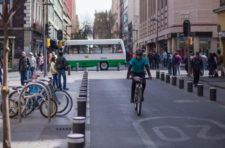 ¿Cómo podemos mejorar la seguridad vial de Monterrey? / Opinión de Luis Gómez