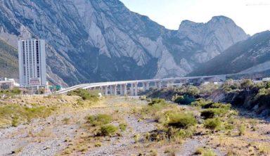 Comunicado sobre la ampliación de la autopista Monterrey-Saltillo en el río Santa Catarina